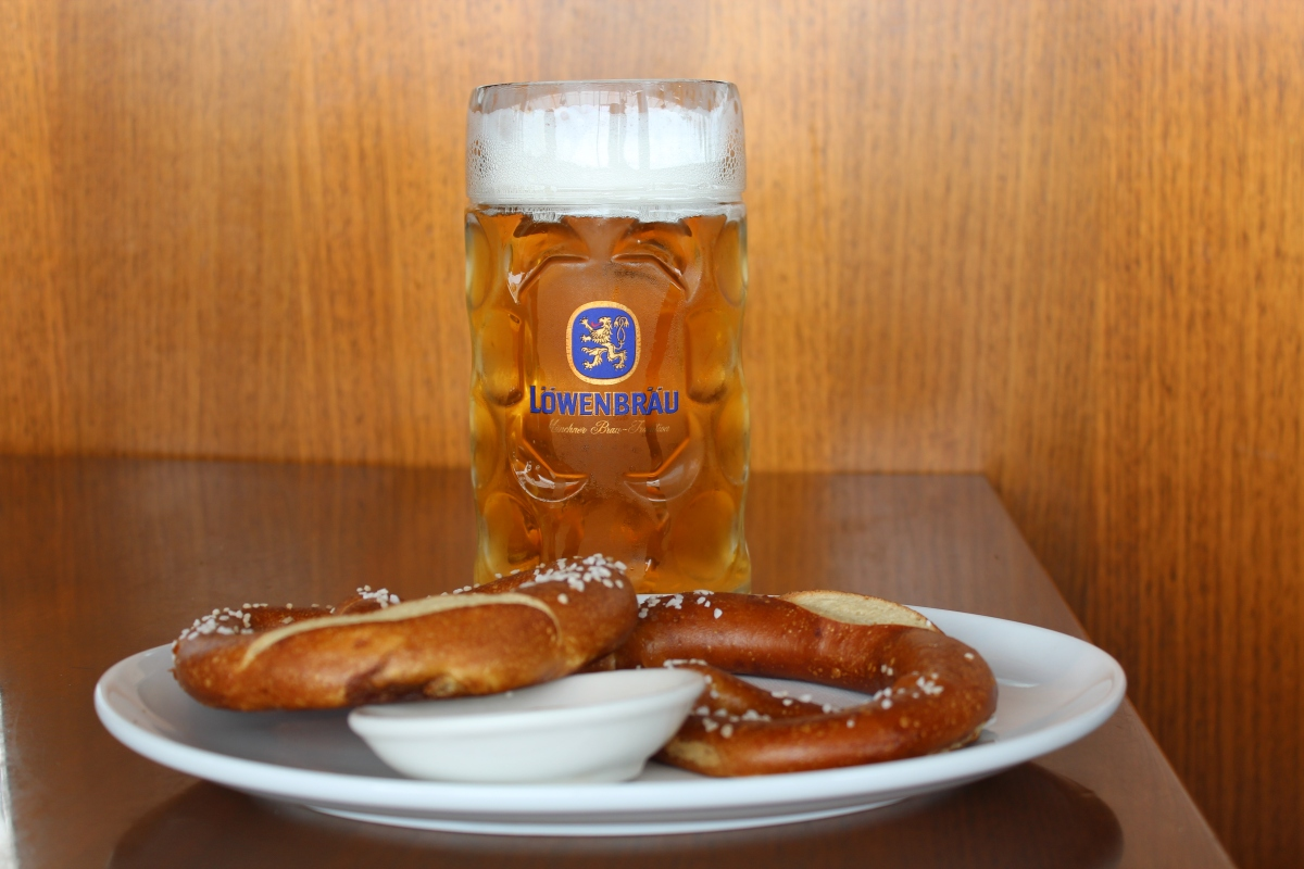 bavarian bier cafe � oktoberfest � brews and bacon